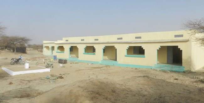 Image of the finished school building in Kabara San Fils built by Caravan to Class